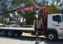 Single Cab 7.8m Tray with Crane