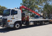 Single Cab 7.3m Tray with Crane